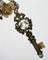 SNOOKS Key Necklace with Blue Rhinestone