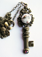 Key-Per Of The SNOOKS Necklace with Pink Irridescent  Rhinestone