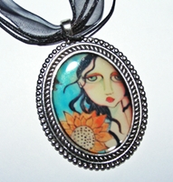 Sun Kissed Cameo Necklace