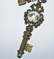 Key-Per Of The SNOOKS Necklace Green Iridescent