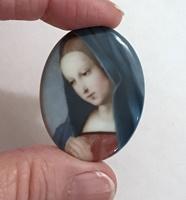 Mary cameo