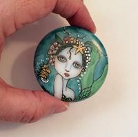 Mermaid and Pearls