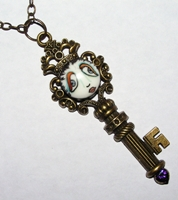 SNOOKS Key Necklace with Purple Heart Rhinestone