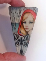 Riding Hood rounded triangle