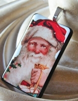 Santa 10 Pendant